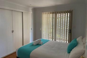 pFHHHouse-main-bedroom