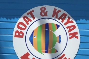 Boat-and-Kayak-hire