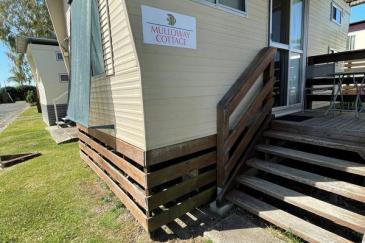 pMulloway-Cabin-outside